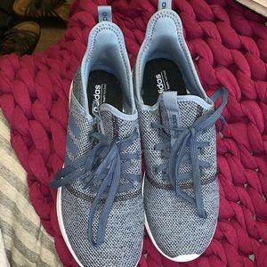 Never worn Adidas cloud foam shoes